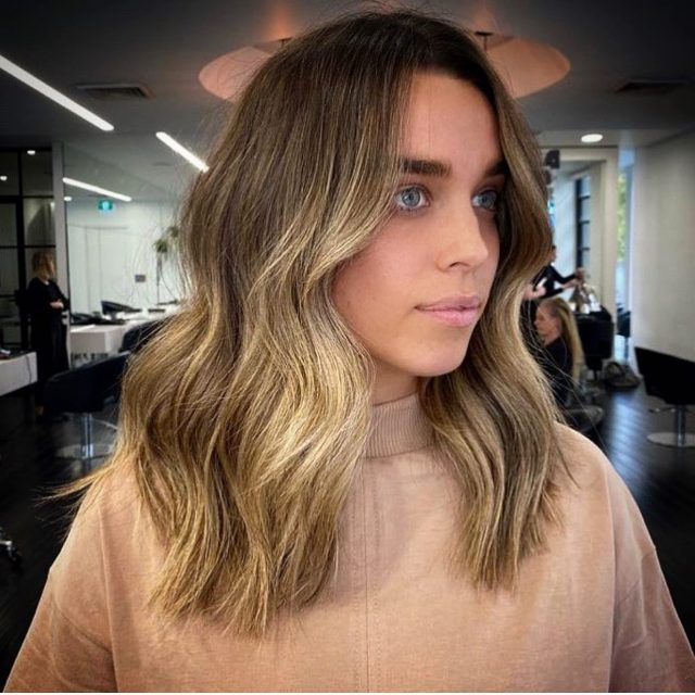 OOH YEAH! Get excited for those fresh hair feels Melbourne! ⚡️Photo of the very gorgeous @gracephil Colour by @hairbyjamieleeroyal Cut & Style @rokkjess#rokkebony #melbournehair #goodhairdontcare #freshhair #freshcolour #hair #melbourne #melbournestylist #yourokk