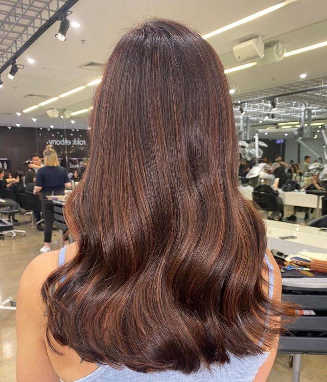 Warm Hot Chocolate 🍫@rokkebonycollinsplace Colour by @box_anne Styled by @auntynaynay#rokkebony #haircolour #hair #freshhair #freshhaircolour #melbourne #hairgoals #chocolate #chocolatehair #melbournesalon #salonlife