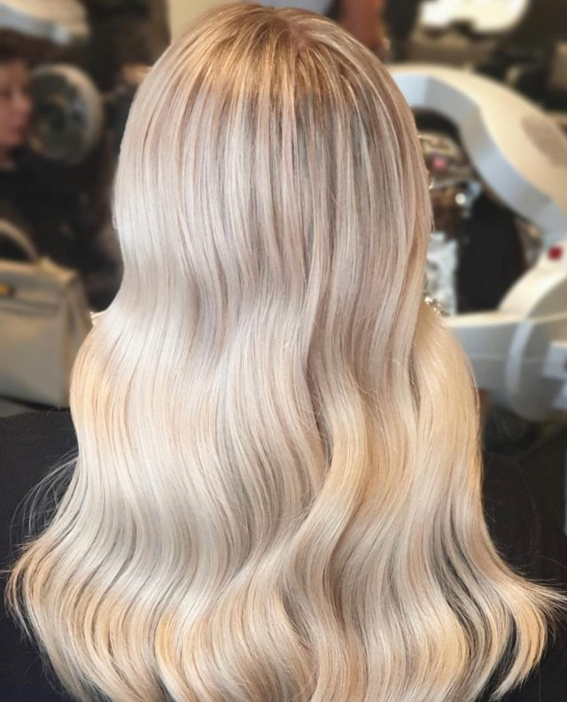 BLONDE 👱🏽‍♀️ @rokkebonyrowvilleColour by Chloe & style by Steph#rokkebony #blondehair #blonde #yourokk #melbournehair #melbournelife #hairgoals #haircare #longhair #waves #waveshair